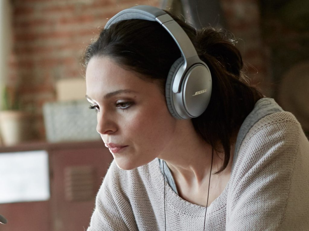Noise-Cancelling Headphones Under £50 UK